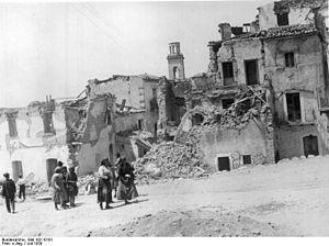 1930 Irpinia earthquake - Image: Bundesarchiv Bild 102 10191, Italien, Erdbeben Katastrophe