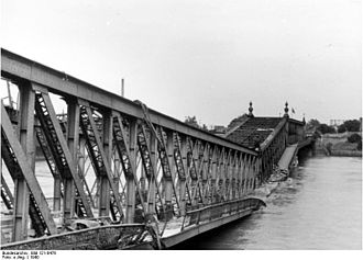 Rhine Bridge, Kehl - The destroyed bridge in 1940