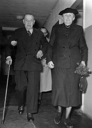 Spandau Prison - Erich Raeder released from Spandau Prison, 26 September 1955, with his wife at the Bürger-Hospital in Berlin-Charlottenburg