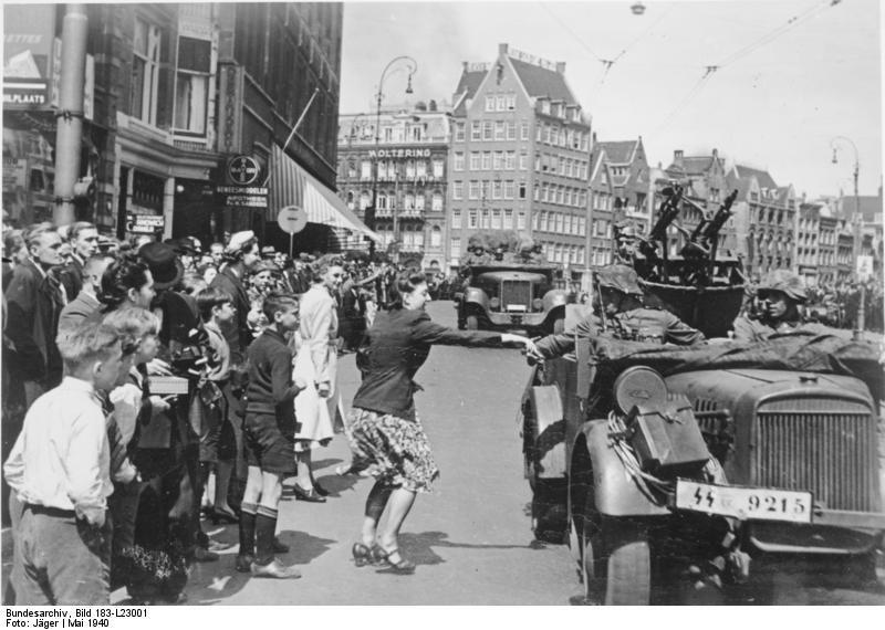 Bundesarchiv Bild 183-L23001, Amsterdam, Durchmarsch deutscher Truppen
