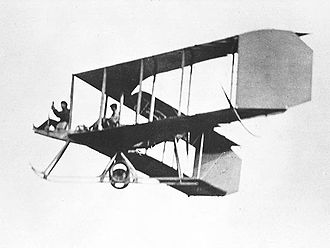 Swept wing - A Burgess-Dunne tailless biplane: the angle of sweep is exaggerated by the sideways view, with washout also present at the wingtips.