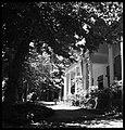 CH-NB - Persien, Farmanieh (Farmaniye)- Gebäude (Lokalisierung unsicher) - Annemarie Schwarzenbach - SLA-Schwarzenbach-A-5-06-123.jpg