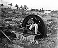 COLLECTIE TROPENMUSEUM Het terrein van de NIMEF-fabriek te Kendalpajak ten zuiden van Malang na de verwoesting door de bevolking op 28 februari 1951. TMnr 60012163.jpg
