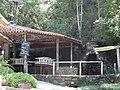 Cachoeira dos pretos Boa infra-estrutura com lanchonetes e restaurantes. - panoramio.jpg