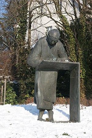 Caesarius of Heisterbach - Statue of Caesarius made by Ernemann Sander in Königswinter-Oberdollendorf
