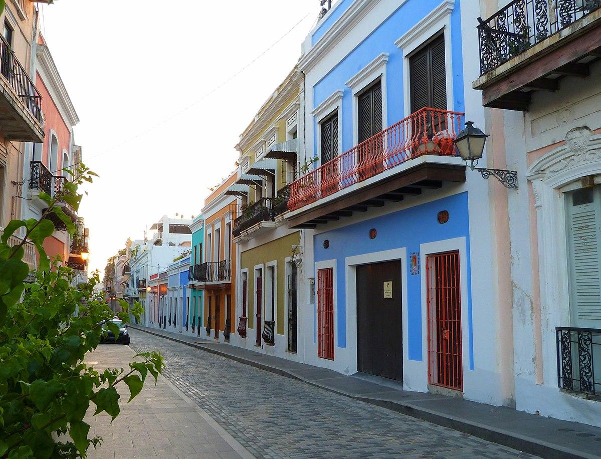 Calle Luna - San Juan Puerto Rico.jpg