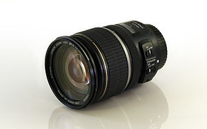 Canon EF-S 17–55mm lens - Image: Canon EF S 17 55mm