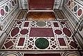 Cappella medici, pavimento intarsiato in porfido e altri marmi all'antica.jpg