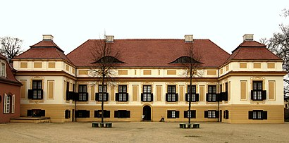 How to get to Schloss Caputh with public transit - About the place
