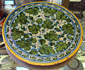 Casteldurante, piatto con motivo vegetale, 1550 ca..JPG