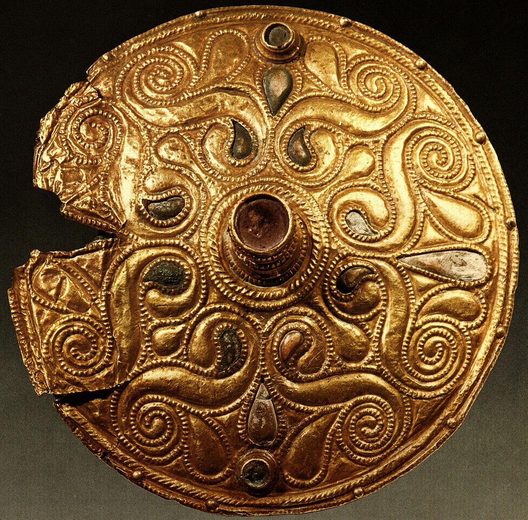 file celtic gold plated disc auvers sur oise val d 39 wikimedia commons. Black Bedroom Furniture Sets. Home Design Ideas
