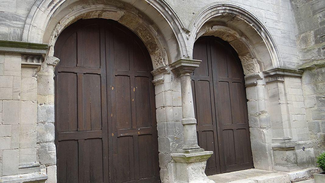 Châtillon-sur Marne, entrée principale de l'église