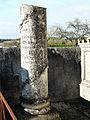 Champagnac-de-Belair cimetière colonne.JPG