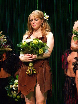 Chantal Janzen in de musical Tarzan
