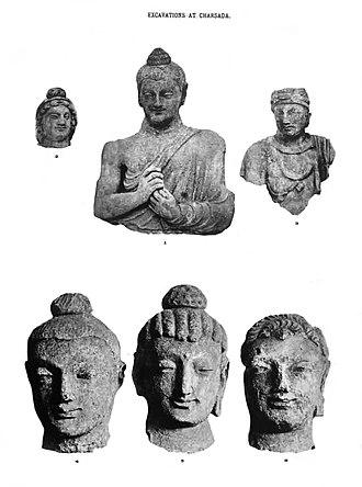 Pushkalavati - Image: Charsadda Buddhist statues