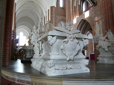 Royal burials in the apse - Roskilde Cathedral