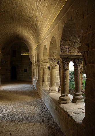 Sant Benet de Bages - In the cloister