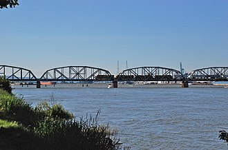 Burlington Northern Railroad Bridge 9.6 - Image: Columbia River BNSF bridge, fixed span section