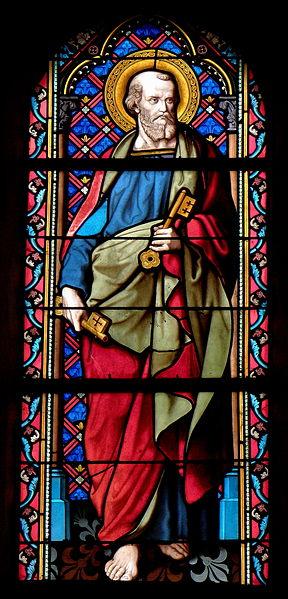Vitrail de l'église Saint-Julien du Mans de Couesmes-en-Froulay, commune de Couesmes-Vaucé (53). Saint-Pierre.