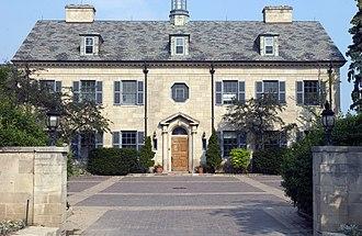 Crescent School (Toronto) - Image: Crescent School Front