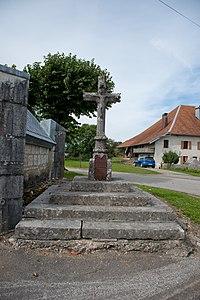 Croix de la chapelle de Goux-les-Usiers (2).jpg