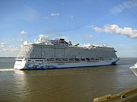 Cruise ship Norwegian Escape (2).jpg