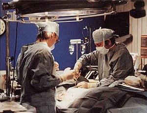 English: Technicians prepare a body for cryopr...