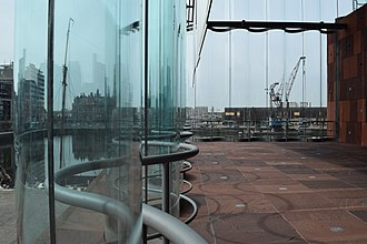Museum aan de Stroom - Curved glass panel construction as seen from inside the MAS