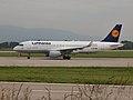 D-AIZP Airbus A320-214 A320 DLH (9408644682).jpg