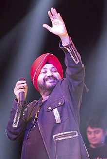 A jubilant Sardar singing in full swing at Spain
