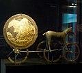 Danemark, Copenhague, le Nationalmuseet, le Musée national, Char solaire de Trundholm, 1400 ans avant J.-C. (33150782666).jpg