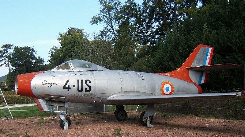 800px-Dassault_Ouragan.jpg