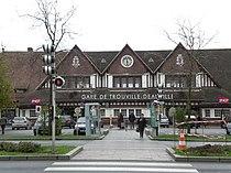 DeauvilleTrouvilleGare.JPG