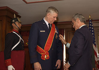 Colombian military decorations - Gen. Richard Meyers wearing the award