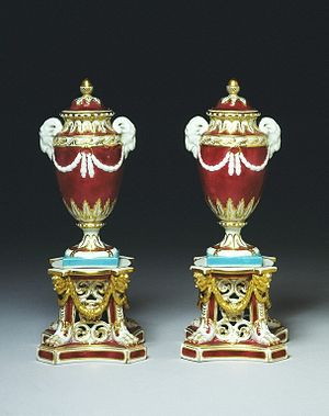 Royal Crown Derby - Pair of vases, 1772-1774, Derby Porcelain Factory (V&A Museum no. 485-1875)