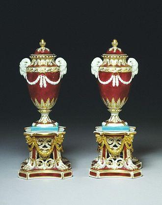 Royal Crown Derby - Pair of vases, 1772-1774, Derby Porcelain Factory (V&A Museum no. 485-1875)