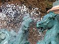 Detail fontaine 4 parties monde.jpg