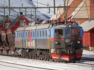 SJ Dm3 - A Dm3 in MTAB colors at Abisko Östra