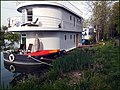 Double-decker^ Houseboat, Thames, Shepperton. - panoramio.jpg