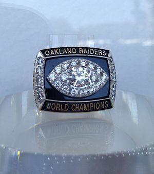 History of the Oakland Raiders - Oakland Raiders Super Bowl XI ring