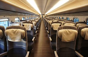 E5 ordinary class interior 20110220.jpg