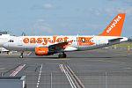 EasyJet (Hamburg Livery), G-EZBG, Airbus A319-111 (16269304530) (2).jpg