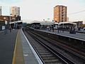 Elephant & Castle mainline stn Thameslink platforms look north.JPG