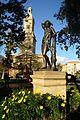 Estatuas en plaza de armas. La Serena Chile.jpg