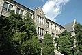 Ewha Women's Univ Main Buildingl-20070908.JPG