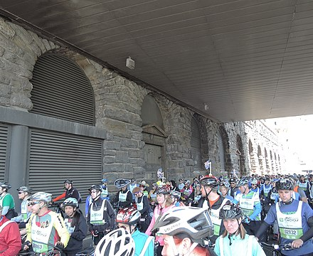 The FDR Drive runs under the campus FDR Drive under Rockefeller Univ 5BBT 2013 jeh.jpg