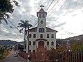 Fachada da Igreja Nossa Senhora de Lourdes do B. JK, Coronel Fabriciano MG.JPG