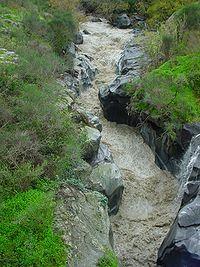 Il fiume Alcantara in piena.