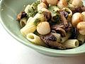 Flickr - cyclonebill - Pasta med pesto, kammuslinger og champignons.jpg