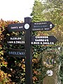 Footpath sign - geograph.org.uk - 664123.jpg